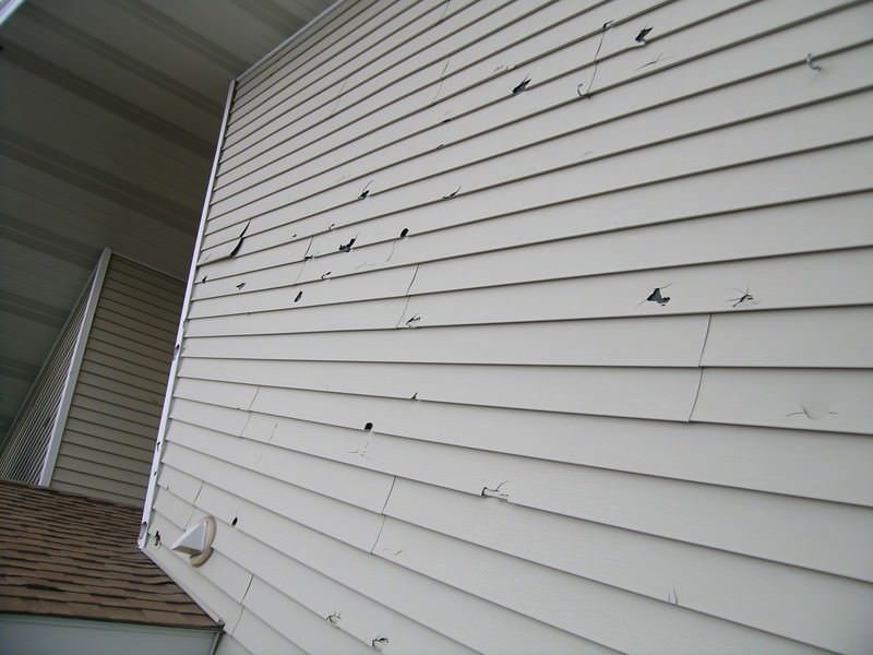 Does Your Home's Siding Need Repairs?